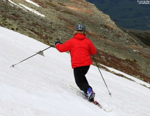 An image of Erica skiing the eastern snowfields on Mt. Washington